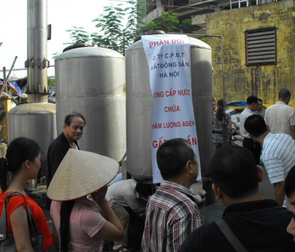 Giải pháp nào cho nước sinh hoạt nhiễm bẩn tại chung cư Hà Nội ?